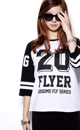 白+黑色 双色七分袖数字街头T恤