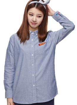 蓝色 小翻领彩扣衬衫